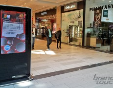 Almondo digital totems in The Mall